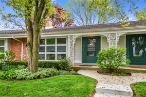 Photo of 722 Carriage Hill Drive, GLENVIEW, IL 60025 (MLS # 10392706)