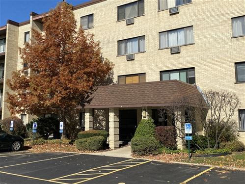 Photo of 7211 Wolf Road #109, Indian Head Park, IL 60525 (MLS # 10921708)