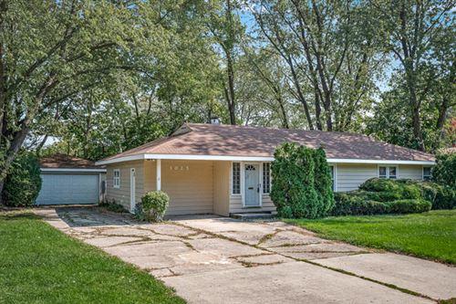 Photo of 1025 S SCHOOL Street, Lombard, IL 60148 (MLS # 10883711)