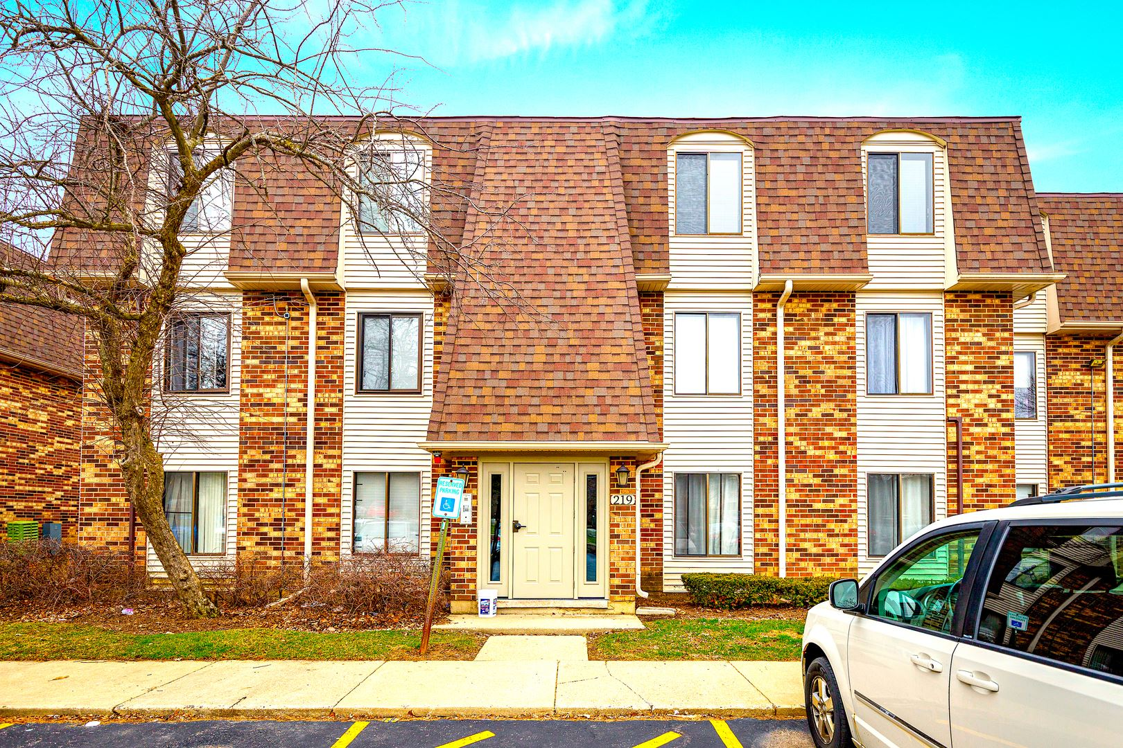 219 W Court of Shorewood Drive #3A, Vernon Hills, IL 60061 - #: 10681718