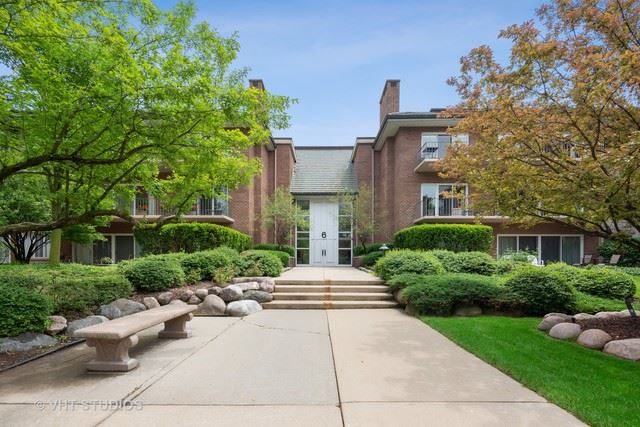 6 Oak Brook Club Drive UNIT J202, Oak Brook, IL 60523 - #: 10406721