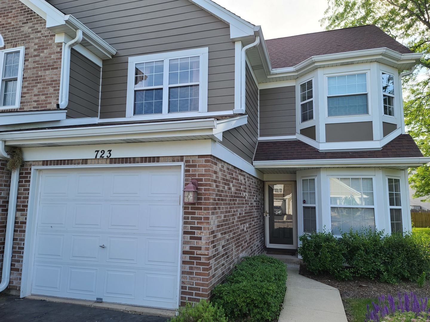 723 KINGSBRIDGE Drive, Carol Stream, IL 60188 - #: 10712721