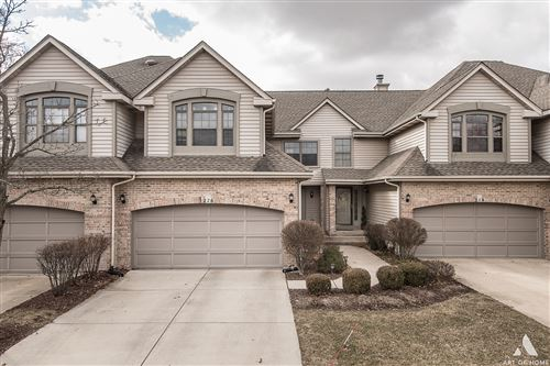 Photo of 226 BLOOMFIELD Parkway #226, Bloomingdale, IL 60108 (MLS # 10685725)