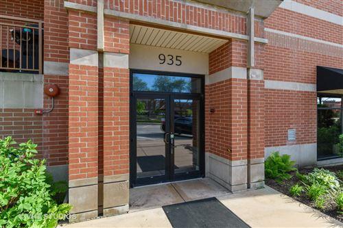 Photo of 935 Burlington Avenue #402, Downers Grove, IL 60515 (MLS # 10716725)