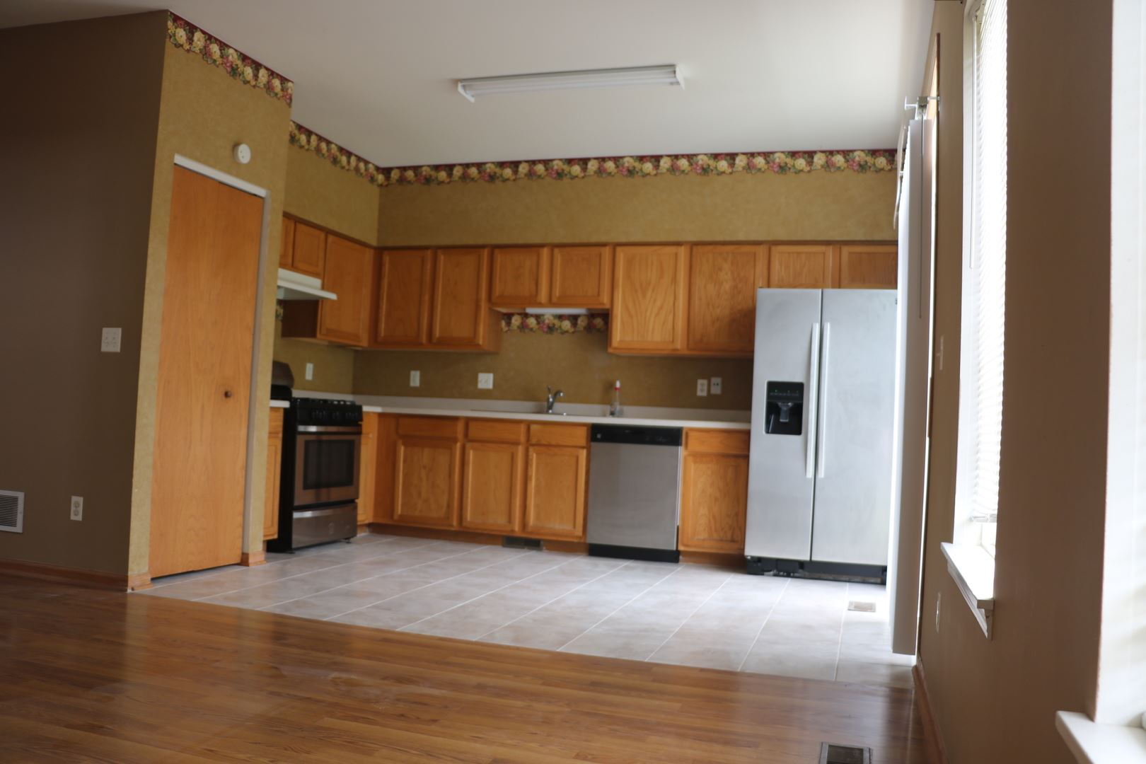 Photo of 379 Reston Circle, Romeoville, IL 60446 (MLS # 10932725)