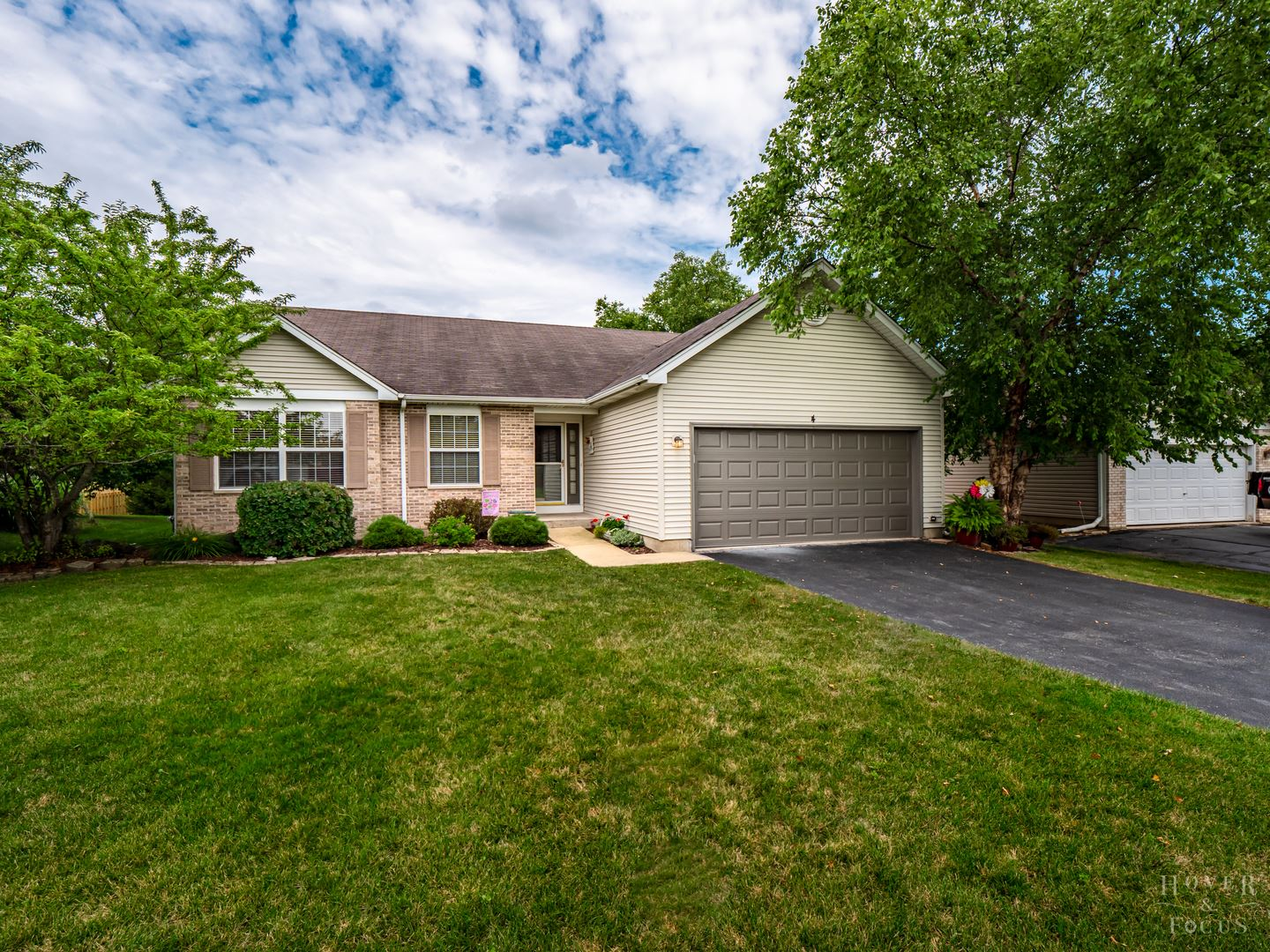 4 Asbury Court, Lake in the Hills, IL 60156 - #: 10858726