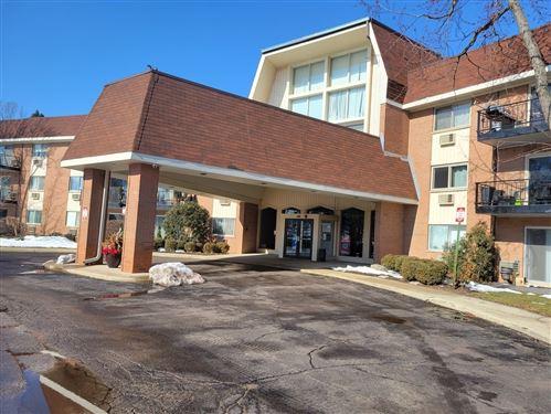 Photo of 1188 Royal Glen Drive #223C, Glen Ellyn, IL 60137 (MLS # 11005727)
