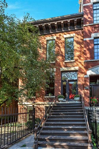 Photo of 640 W Webster Avenue, Chicago, IL 60614 (MLS # 11252727)