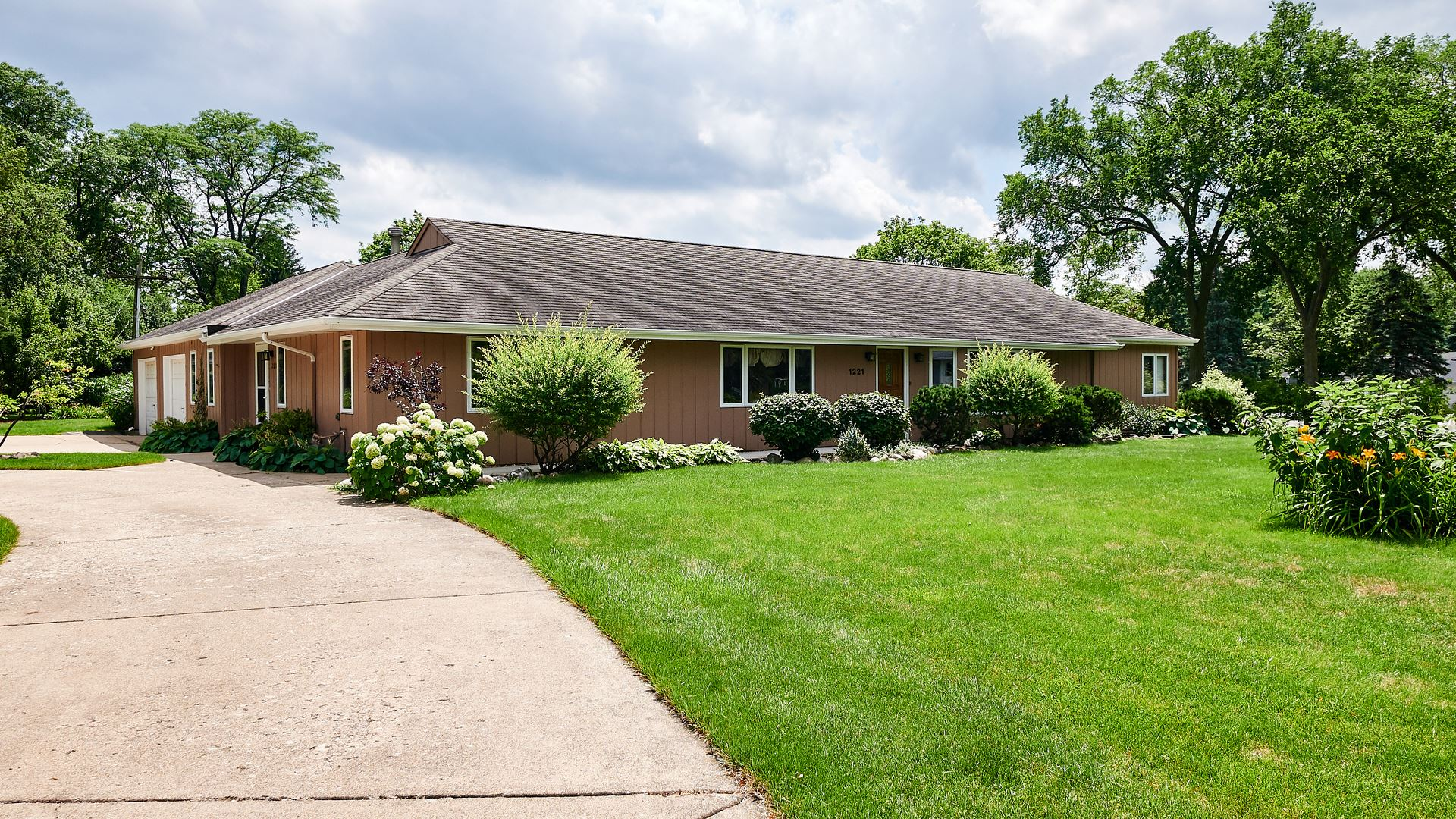 1221 W 55th Place, Countryside, IL 60525 - #: 10663727