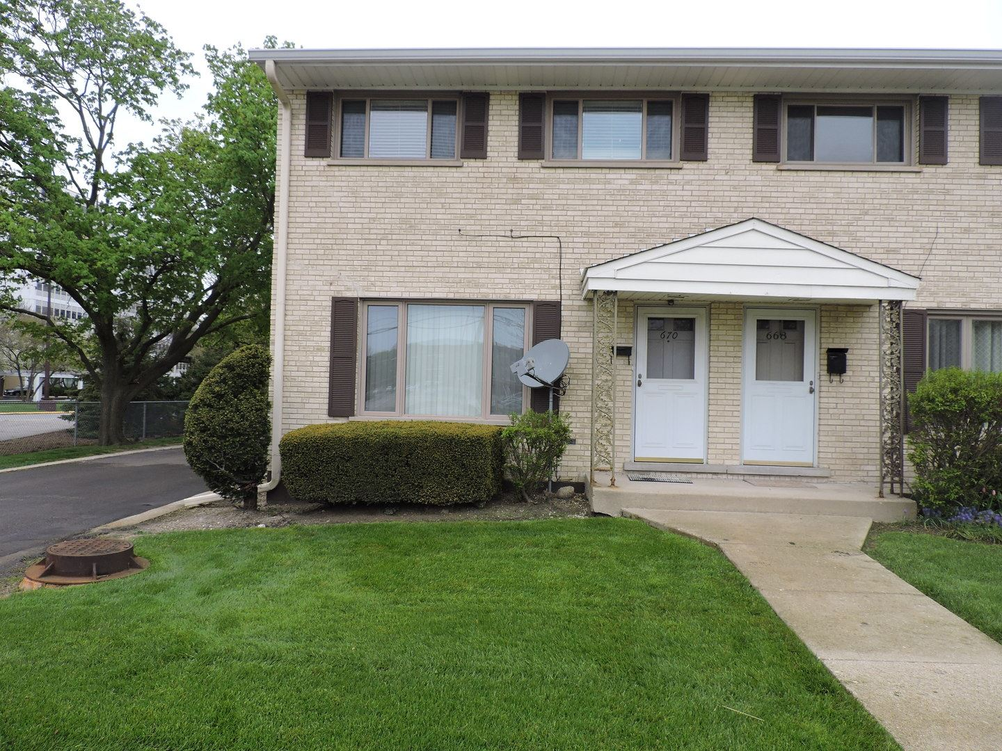 670 W Central Road, Arlington Heights, IL 60005 - #: 10757727