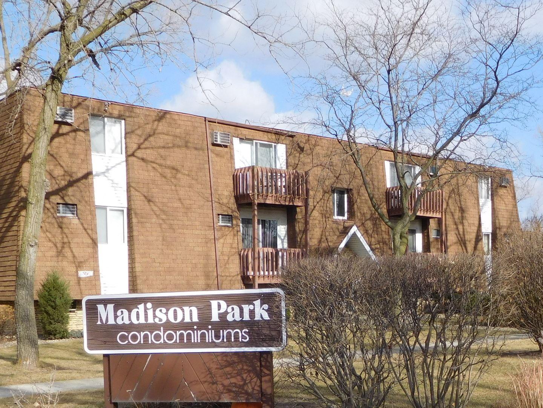 Photo of 212 MADISON Street #1A, Joliet, IL 60435 (MLS # 10944728)
