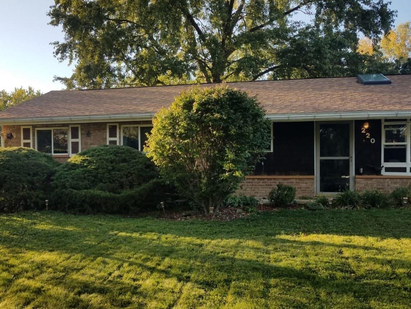Photo of 220 Glengary Drive, Bolingbrook, IL 60440 (MLS # 10992734)