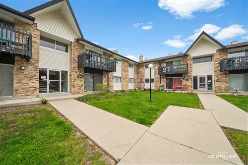Photo of 12A Kingery Quarter #201, Willowbrook, IL 60527 (MLS # 10939735)