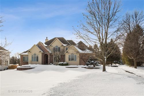 Photo of 3 BORDEAUX Court, Oakwood Hills, IL 60013 (MLS # 10982736)