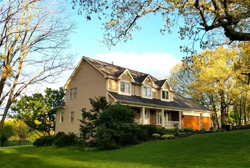 Photo of 9904 Fox Bluff Lane, Spring Grove, IL 60081 (MLS # 11121736)