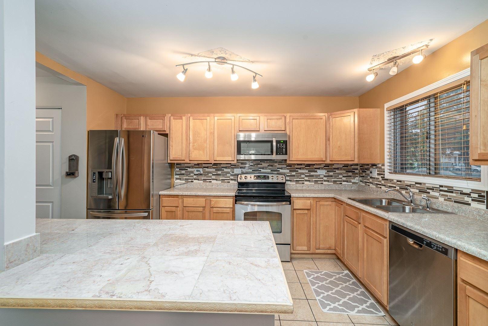 Photo of 32S Fernwood Drive #32S, Bolingbrook, IL 60440 (MLS # 10889736)