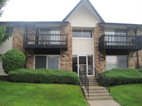 Photo of 11A Kingery Quarter #204, Willowbrook, IL 60527 (MLS # 10610738)