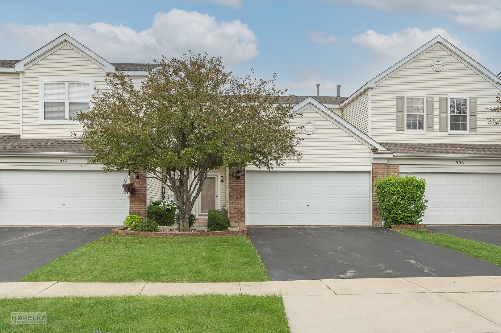 Photo of 304 Parkside Drive, Shorewood, IL 60404 (MLS # 11159738)