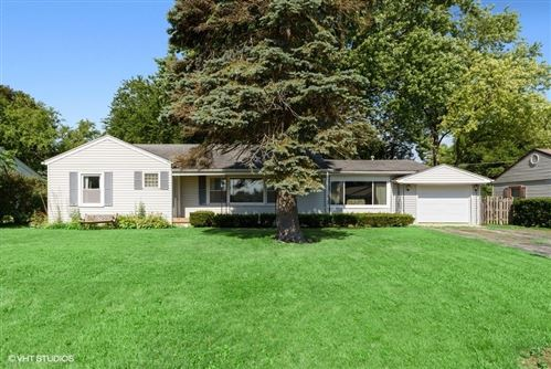 Photo of 145 Fairway Road, Lake Zurich, IL 60047 (MLS # 10767741)