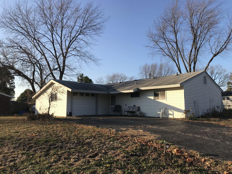 Photo of 100 Fairwood Drive, Bolingbrook, IL 60440 (MLS # 10933741)