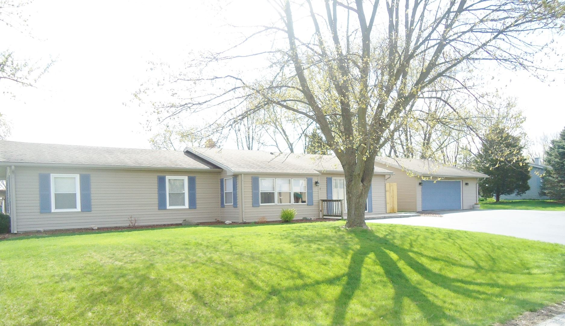 Photo of 712 Helene Street, Shorewood, IL 60404 (MLS # 11050741)