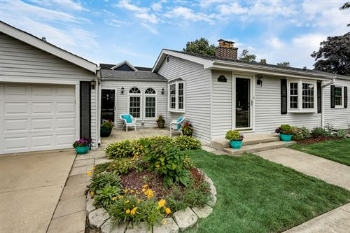 Photo of 300 Nordica Avenue, Glenview, IL 60025 (MLS # 10616742)