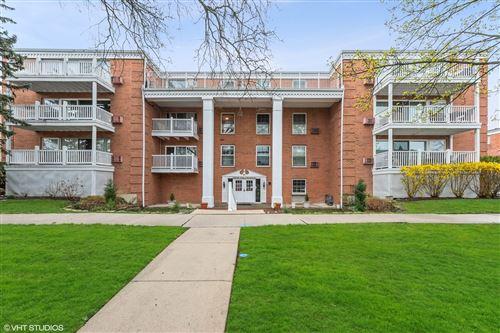 Photo of 81 6th Avenue #203, La Grange, IL 60525 (MLS # 11043744)
