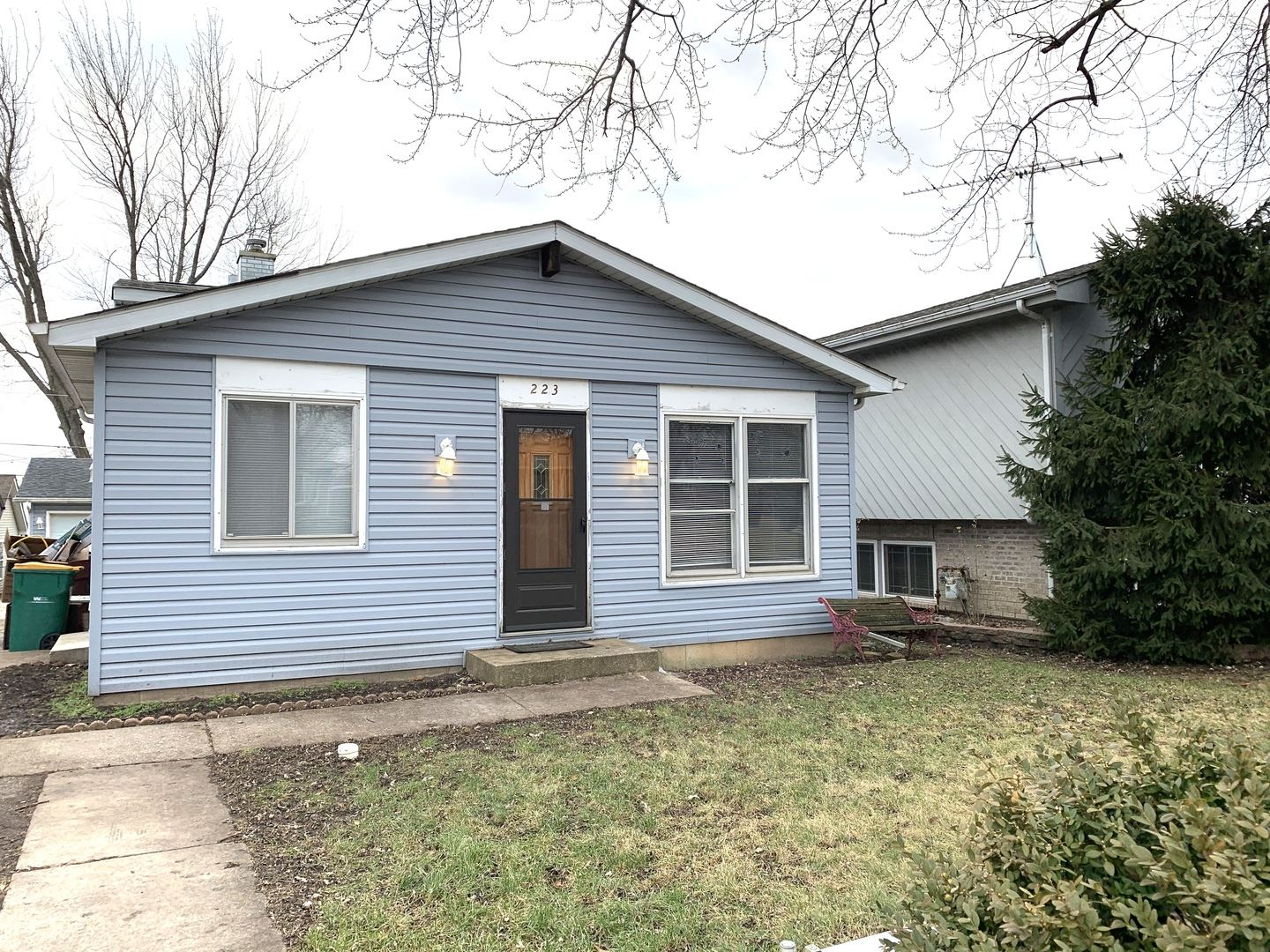223 W South Rosedale Court, Round Lake, IL 60073 - #: 10604744