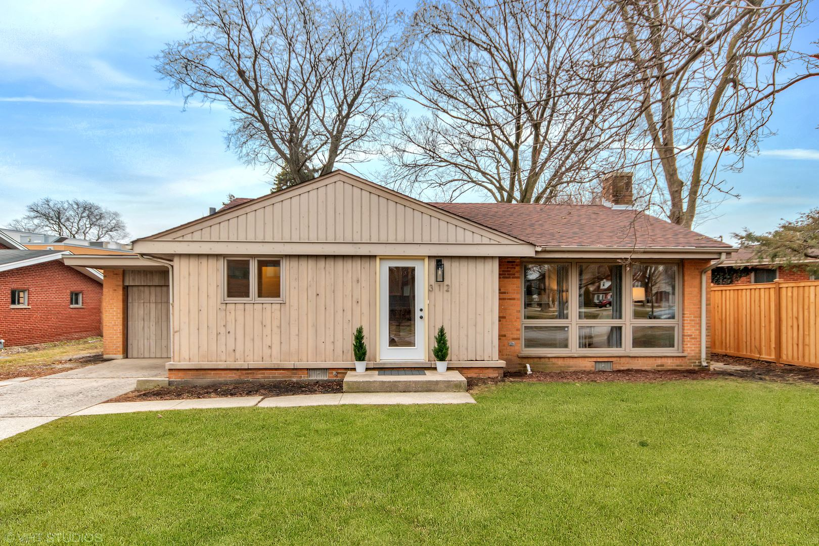 312 E Huntington Lane, Elmhurst, IL 60126 - #: 10668745
