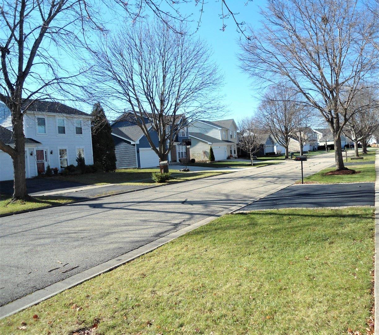 Photo of 633 Lakewood Farms Drive, Bolingbrook, IL 60490 (MLS # 10934748)