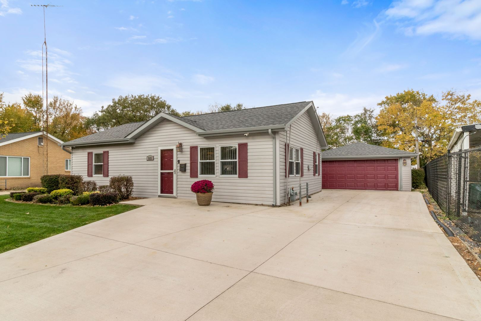 Photo of 513 Sehring Avenue, Joliet, IL 60436 (MLS # 10910750)