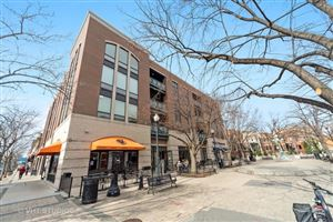 Photo of 2326 West Giddings Street #302, CHICAGO, IL 60625 (MLS # 10404751)