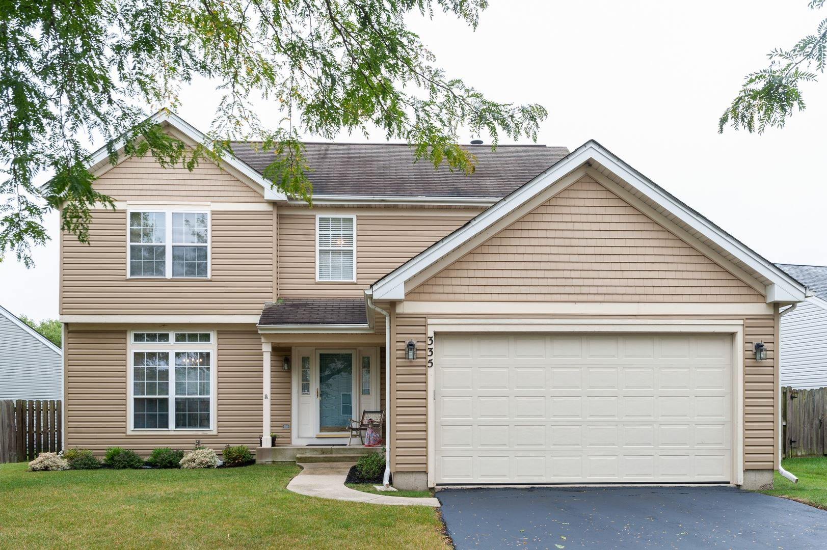335 W Weeping Willow Road, Round Lake, IL 60073 - #: 10862753