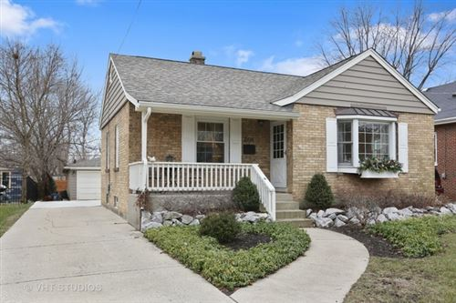 Photo of 208 East Crescent Avenue, Elmhurst, IL 60126 (MLS # 10608754)