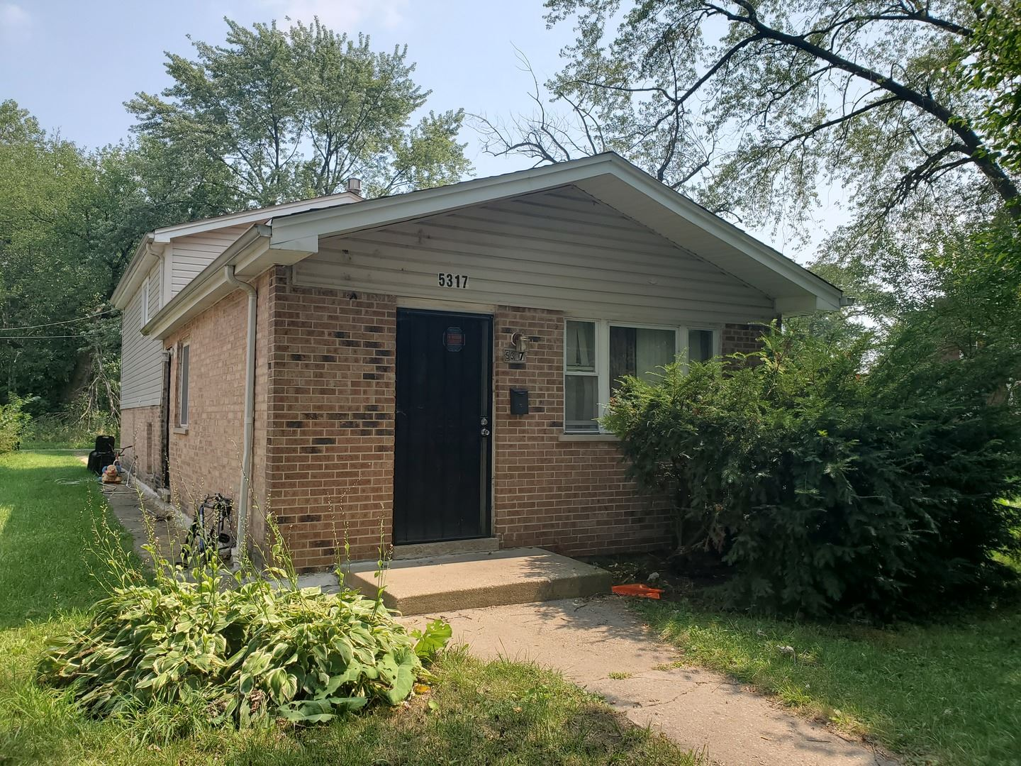 Photo for 5319 S Peoria Street, Chicago, IL 60609 (MLS # 10995754)