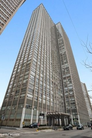 Photo of 655 W IRVING PARK Road #1007, Chicago, IL 60613 (MLS # 11002758)