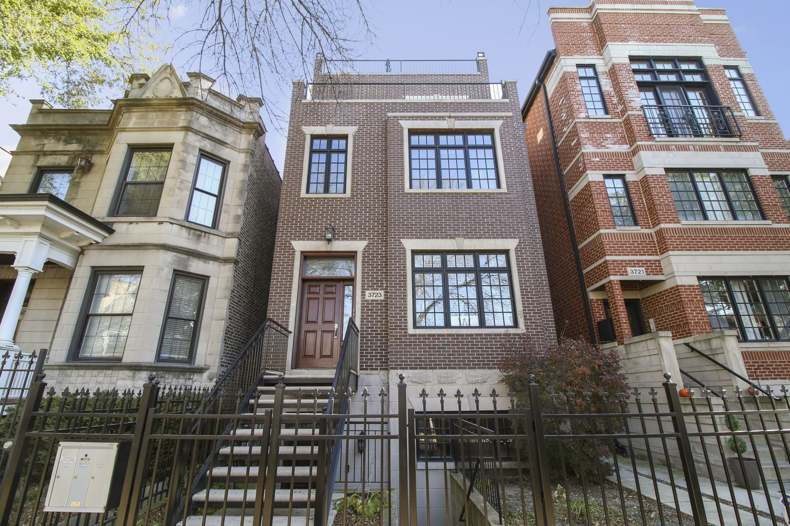 3723 N Clifton Avenue #2, Chicago, IL 60613 - #: 10573758