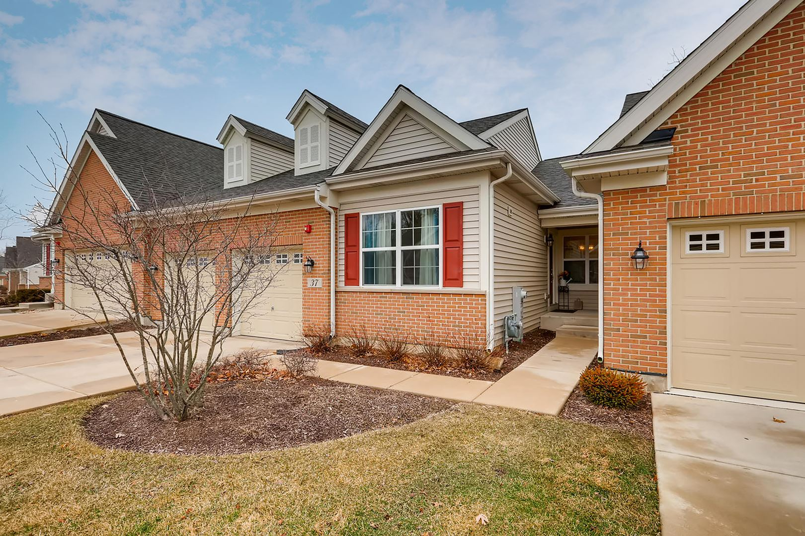 37 Tall Grass Court, Streamwood, IL 60107 - #: 10661758