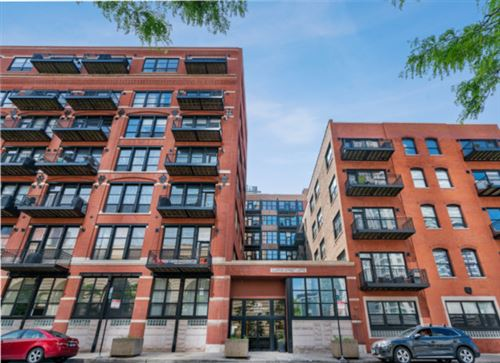 Photo of 226 North CLINTON Street #420, Chicago, IL 60661 (MLS # 10586760)