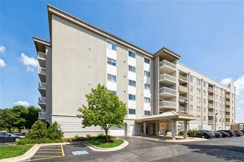Photo of 2020 Saint Regis Drive #308, Lombard, IL 60148 (MLS # 11100760)