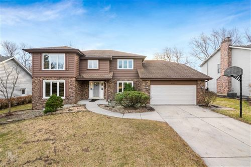 Photo of 9s053 Landsfield Drive, Downers Grove, IL 60516 (MLS # 10992761)