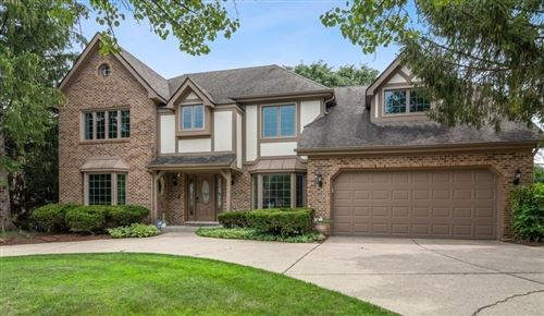 Photo of 240 MEADOWBROOK Lane, Hinsdale, IL 60521 (MLS # 11233765)