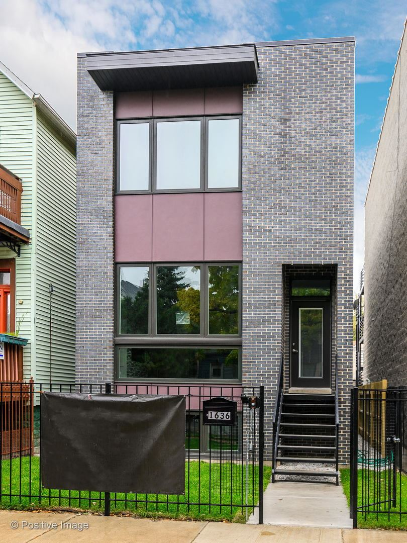 2932 N Allen Avenue, Chicago, IL 60618 - #: 10671766