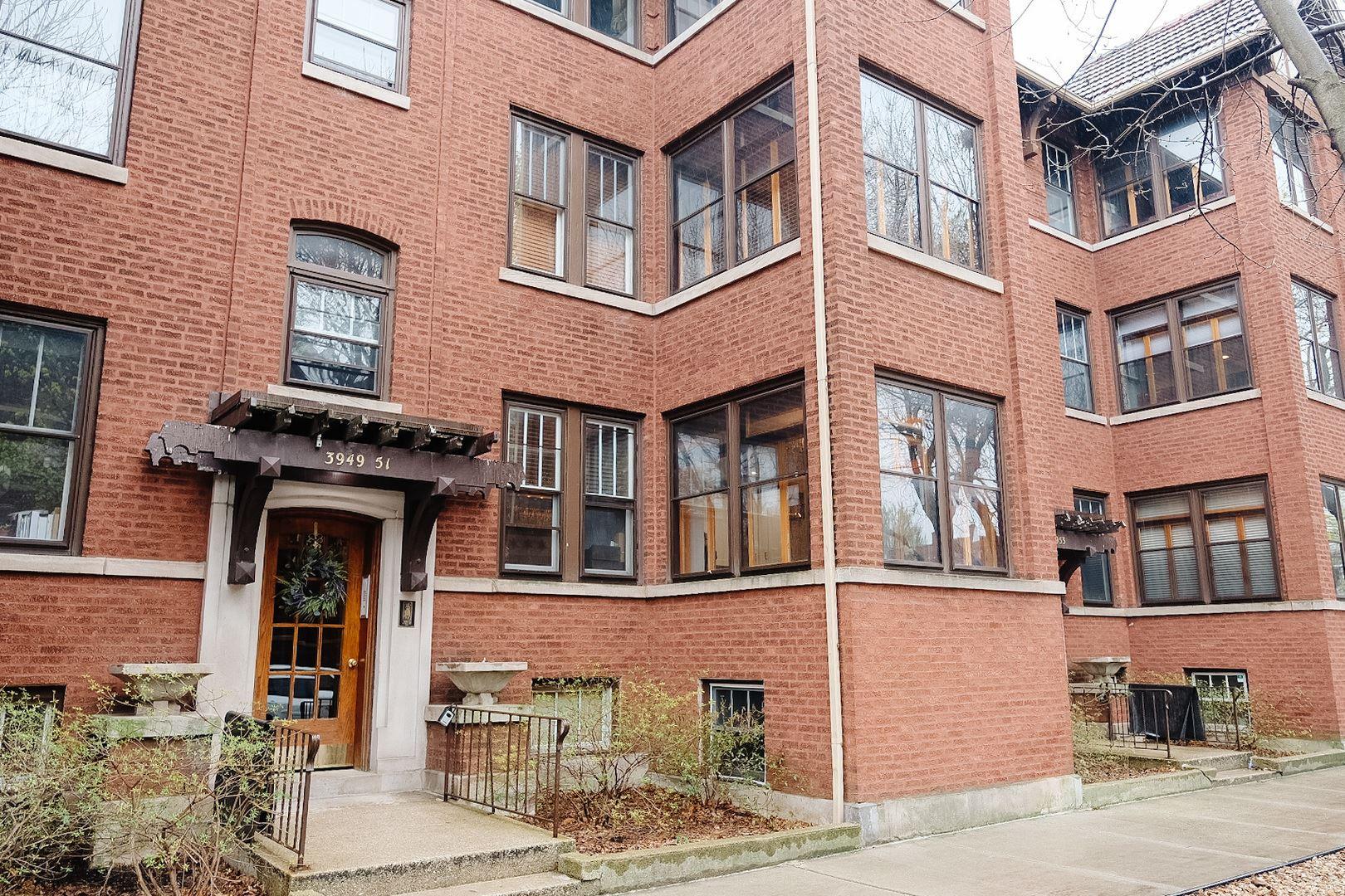 Photo of 3951 W Waveland Avenue W #1, Chicago, IL 60618 (MLS # 11049766)