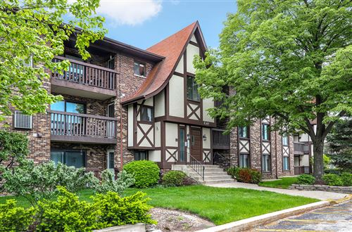 Photo of 527 Cumnor Road #204, Westmont, IL 60559 (MLS # 10721768)