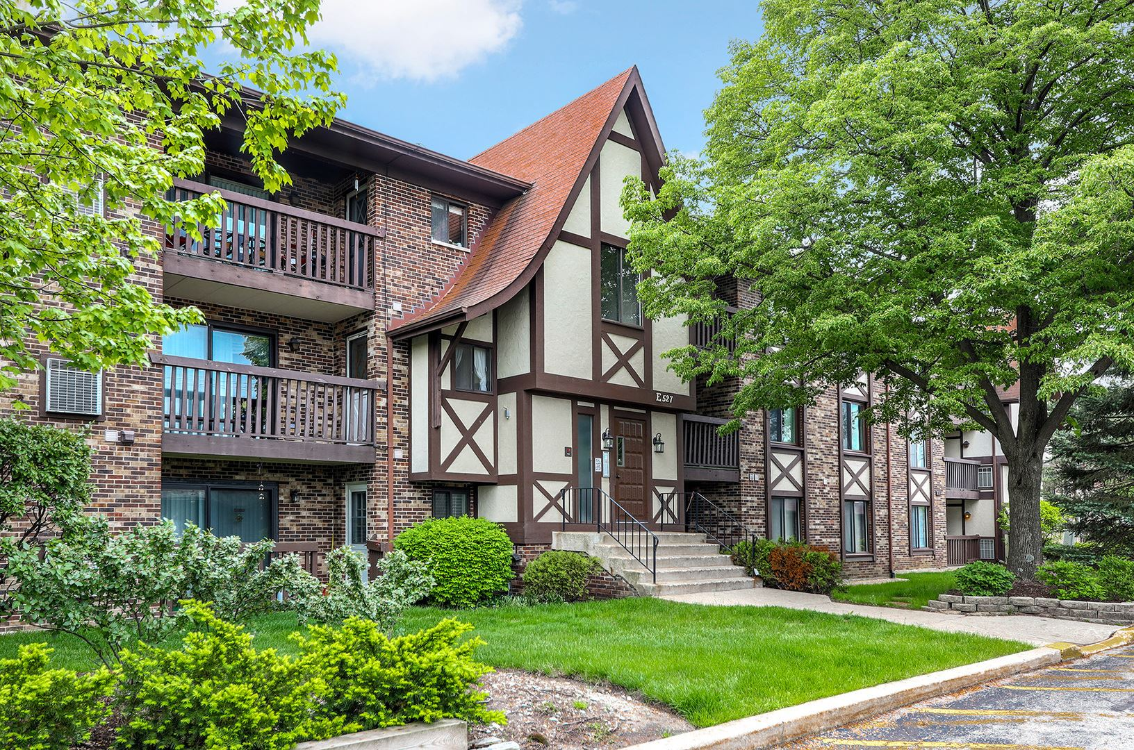527 Cumnor Road #204, Westmont, IL 60559 - #: 10721768