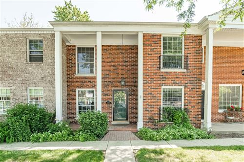 Photo of 5731 Sutton Place, Hinsdale, IL 60521 (MLS # 10736770)