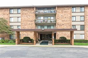 Photo of 101 Lake Hinsdale Drive #111, Willowbrook, IL 60527 (MLS # 10564771)