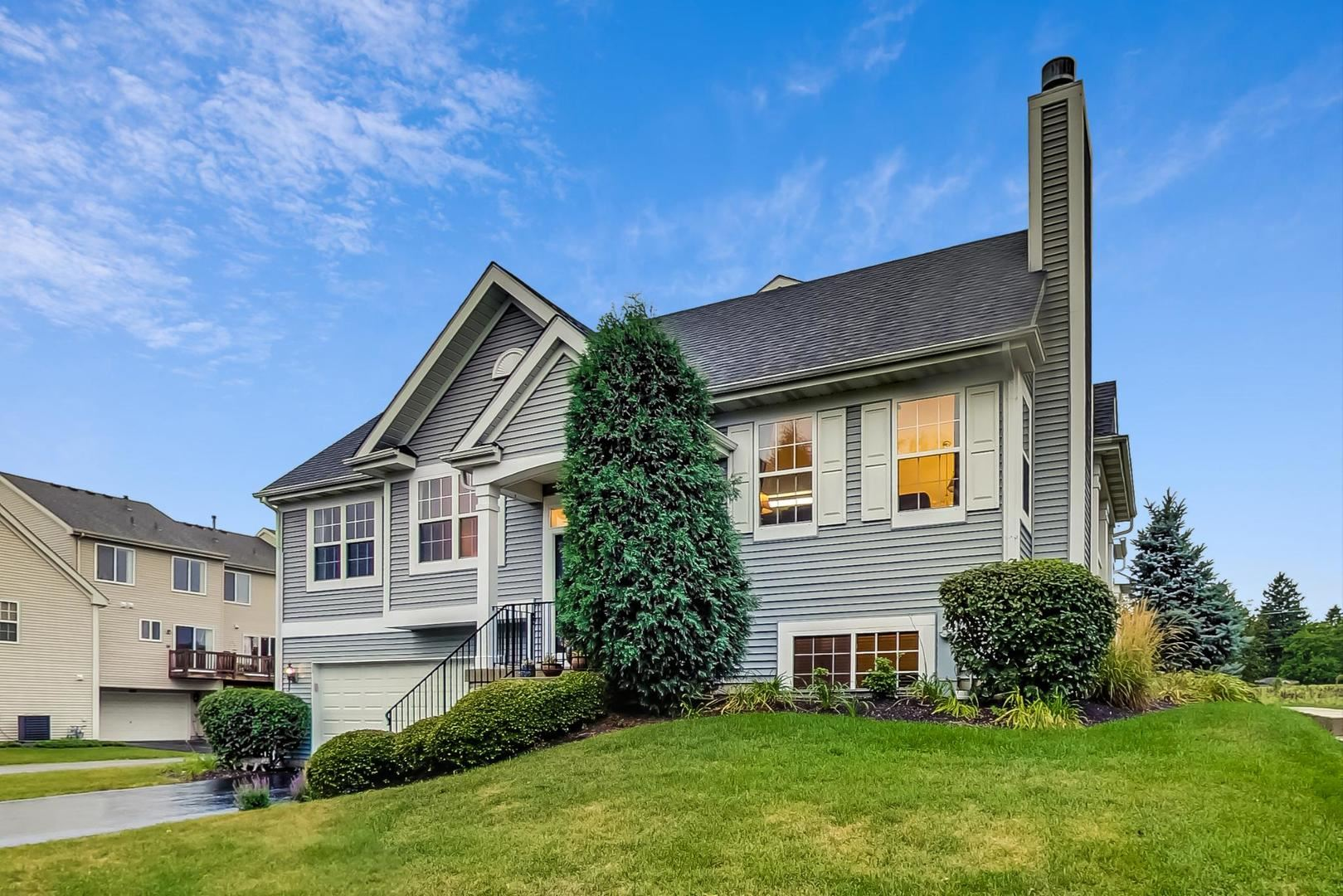 Photo of 510 LINCOLN STATION Drive, Oswego, IL 60543 (MLS # 10854771)