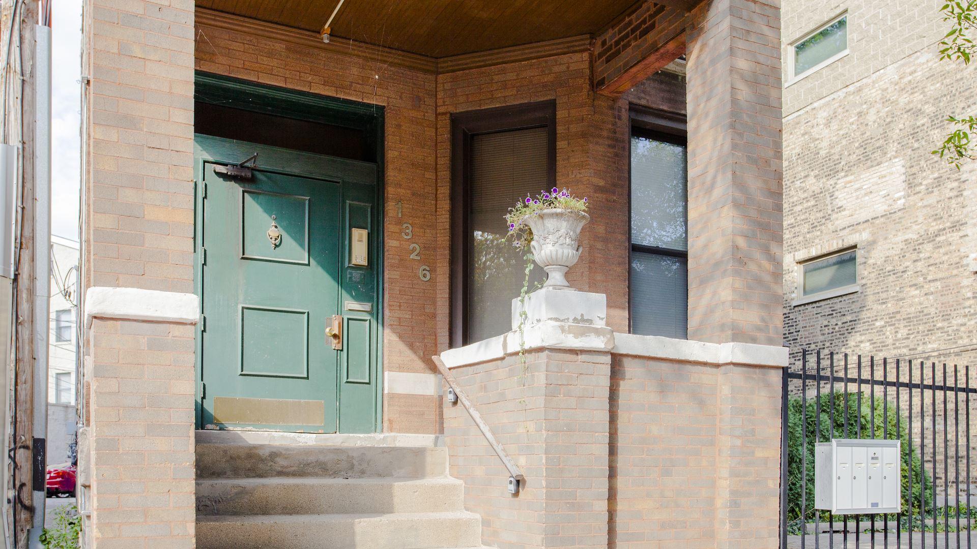 1326 W George Street, Chicago, IL 60657 - #: 10888771